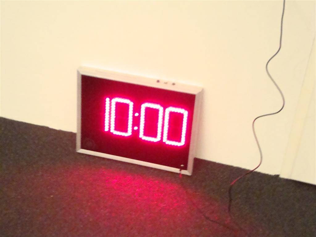Aftelklok de klok is speciaal gemaakt voor een modelbouw vlieg club